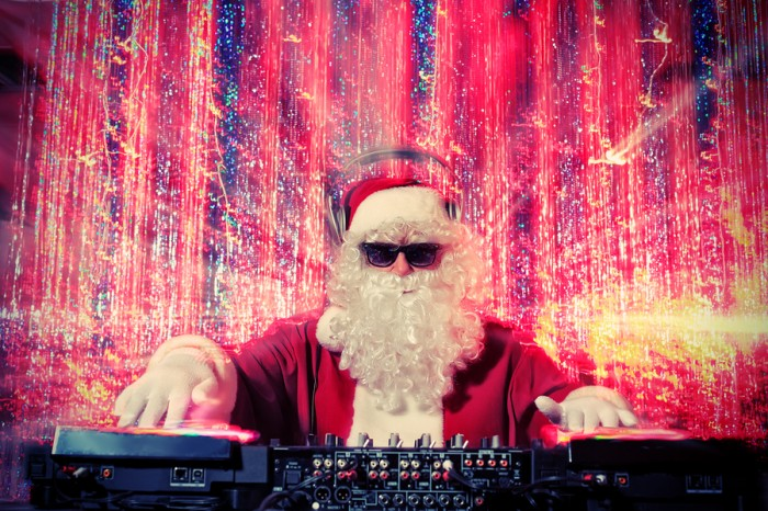 Sorrento-Living-DJ-Santa-Clause-700x466