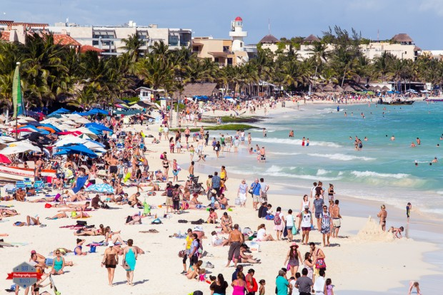 playa-del-carmen-beach-ocean-sea-crowded-people-mexico-rob-moses-photography-calgary-vancouver-seattle-spokane-photographer-wa-bc-native-american-tlingit-ojibaway-famous-un-celebrity-can1